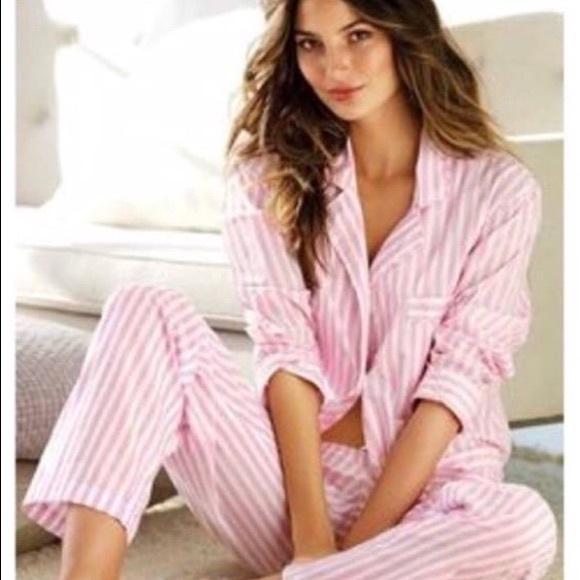 f5200430eb4fe Victoria's Secret Iconic Striped Pajamas
